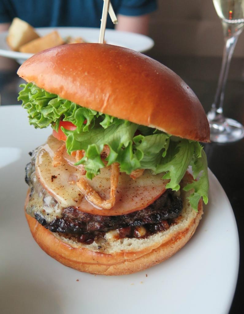 Sky 360 Beef Burger