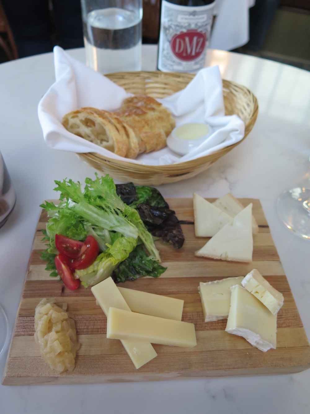 Royale Brasserie Cheese Trio