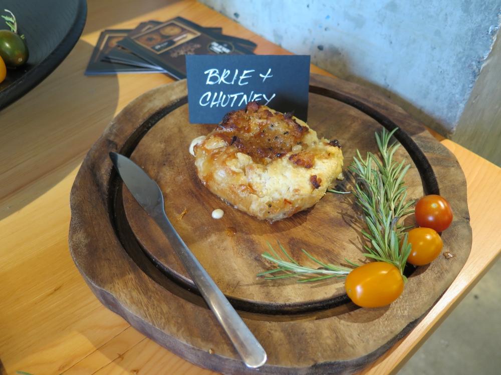 Hungry in Calgary | Pie Prosecco Brie