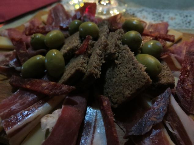 Local Prosciutto, Bread and Olives
